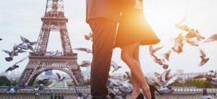 couple in front  Eiffle Tower